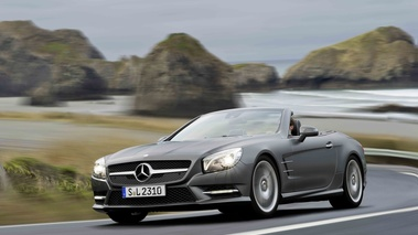 Mercedes SL500 R231 anthracite mate 3/4 avant gauche travelling penché 2