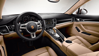Porsche Panamera Platinum Edition - marron - habitacle