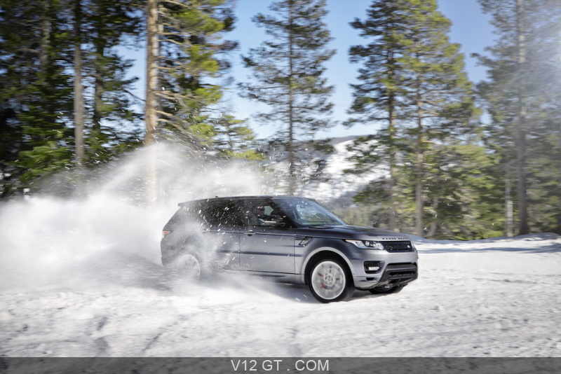 range rover sport 2013 anthracite 3 4 avant gauche dans la neige range rover photos gt. Black Bedroom Furniture Sets. Home Design Ideas