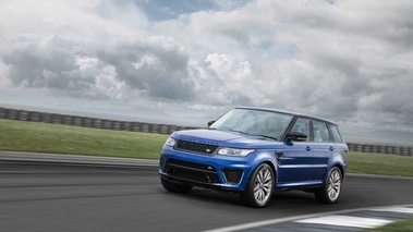 le range rover sport svr d voil pebble beach embarque le moteur v8 supercharged de 550. Black Bedroom Furniture Sets. Home Design Ideas