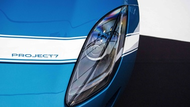 Jaguar Project 7 bleu phare avant