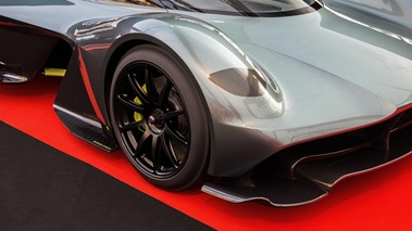 Festival Automobile International de Paris 2017 - Aston Martin AM-RB 001 Concept phare avant