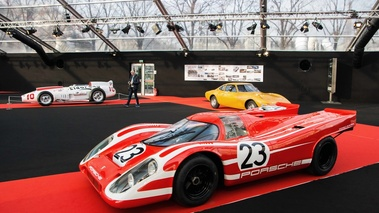 Festival Automobile International de Paris 2017 - Porsche 917K rouge 3/4 avant gauche