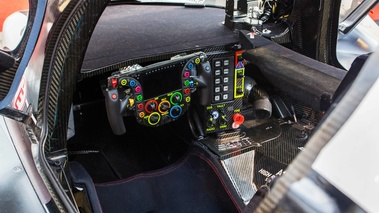 Festival Automobile International de Paris 2017 - Porsche 919 Hybrid cockpit