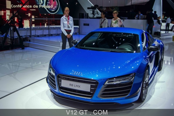 audi r8 lmx bleu face avant mondial de l 39 automobile de paris 2014 photos salons les plus. Black Bedroom Furniture Sets. Home Design Ideas