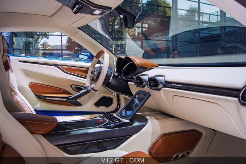 Lamborghini-Asterion-interieur_zoom