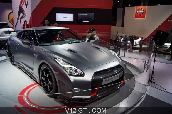 nissan gtr nismo 2014 anthracite mate 3 4 avant droit. Black Bedroom Furniture Sets. Home Design Ideas