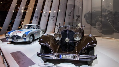 Rétromobile 2017 - Mercedes 500 K marron & 300 SL Competition gris