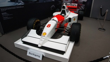Bonhams - Paris 2018 - McLaren MP4-8A Malboro 3/4 avant gauche