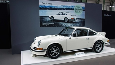 Bonhams - Paris 2018 - Porsche 911 Carrera 2.7 RS Touring blanc profil