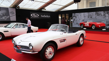 RM Auctions - Paris 2018 - BMW 507 Roadster blanc 3/4 avant gauche