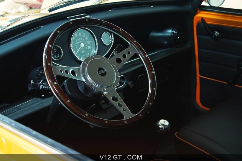 sellerie automobile classic dossiers gt classic accueil v12 gt v12 gt l 39 motion automobile. Black Bedroom Furniture Sets. Home Design Ideas