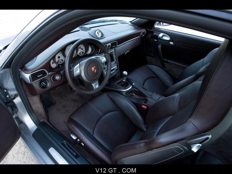 Porsche 911 turbo int rieur porsche photos gt les for Interieur porsche