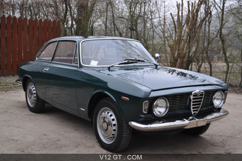 alfa romeo giulia sprint gt vendu 1965 petites. Black Bedroom Furniture Sets. Home Design Ideas
