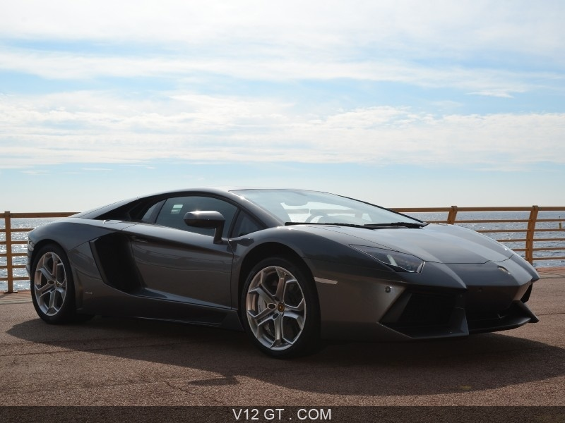 lamborghini aventador lp700 4 vendu 2013 petites. Black Bedroom Furniture Sets. Home Design Ideas