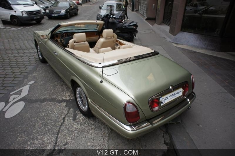 rolls royce corniche 2001 petites annonces gratuites. Black Bedroom Furniture Sets. Home Design Ideas