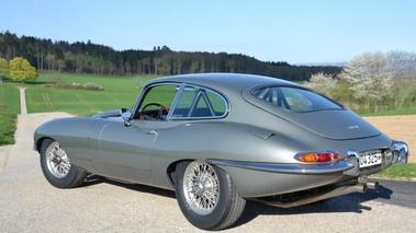 Jaguar type e - vendu 1965 - 3/4 arrière gauche